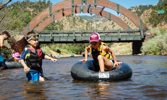 Shallow waters at 122 cfs make the run easy and comfortable for beginners!